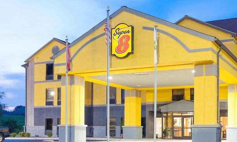 Hotel Super 8 By Wyndham Crossville Tn